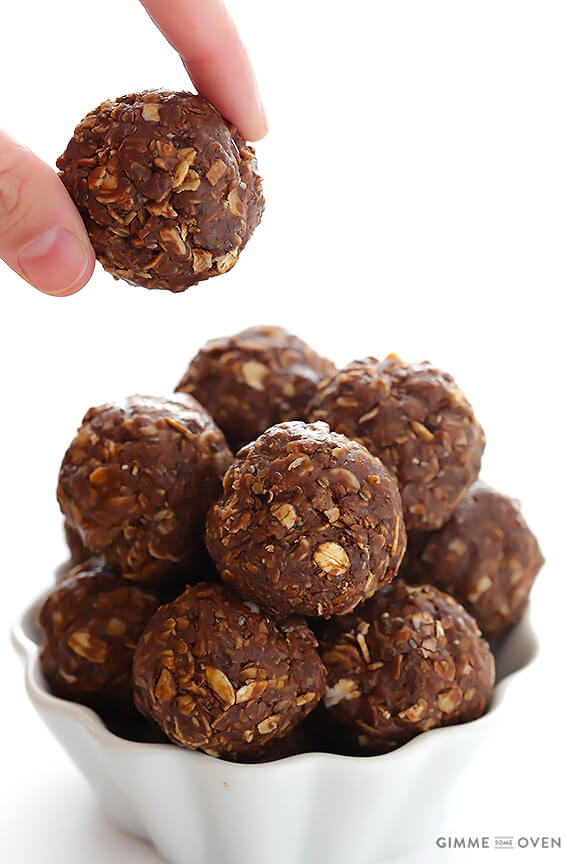 Chocolate Peanut Butter No-Bake Energy Bites